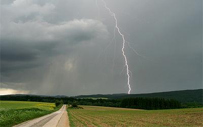 Wie Bei Gewittern Verhalten Wenn Wetter Zur Bedrohung Wird